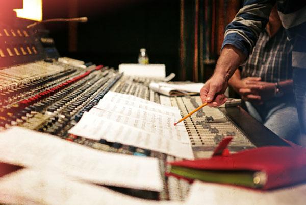 LLL HOLLY ADAMS | Stories Through Music